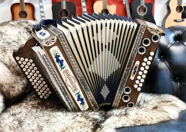 KÄRNTNERLAND Steirische Harmonika Bergkristall G-C-F-B, mit X-Bass