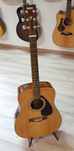 YAMAHA FX 310A Westerngitarre